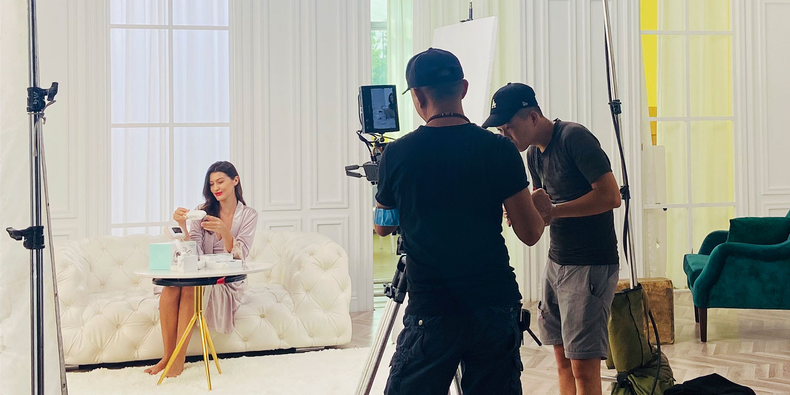 the shooting scene of Dearcare product publicity film